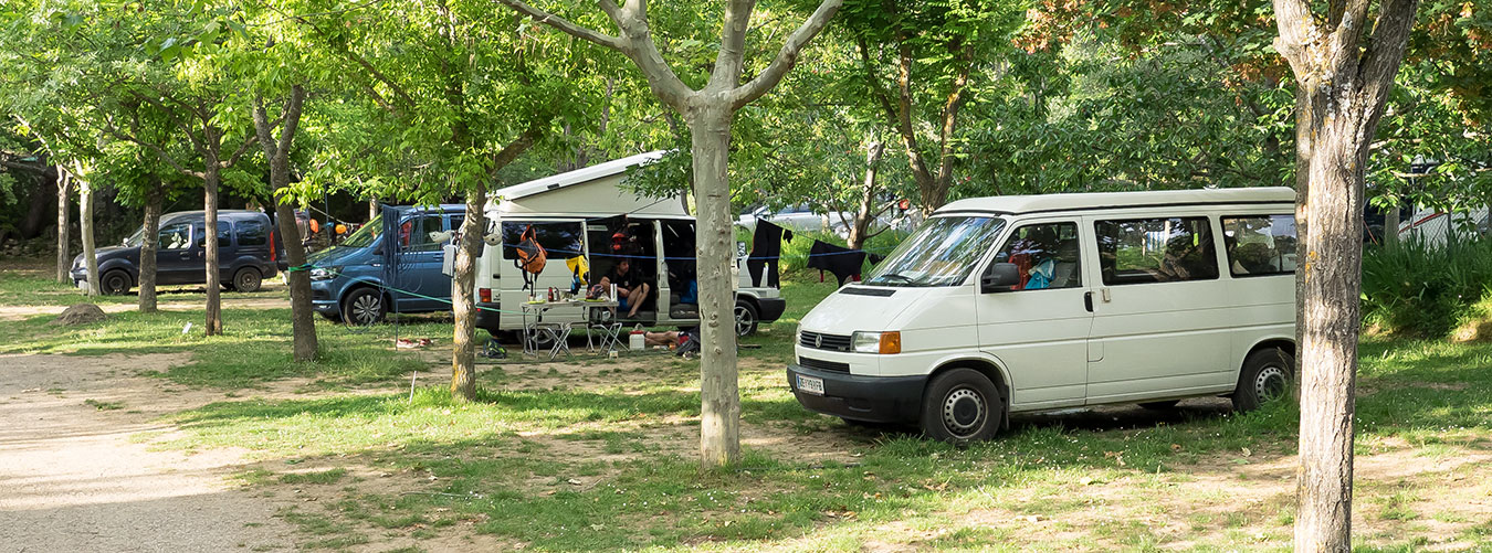 Prices of accommodation in plots. Camping Mascún de Rodellar. Camping in the heart of the Sierra de Guara